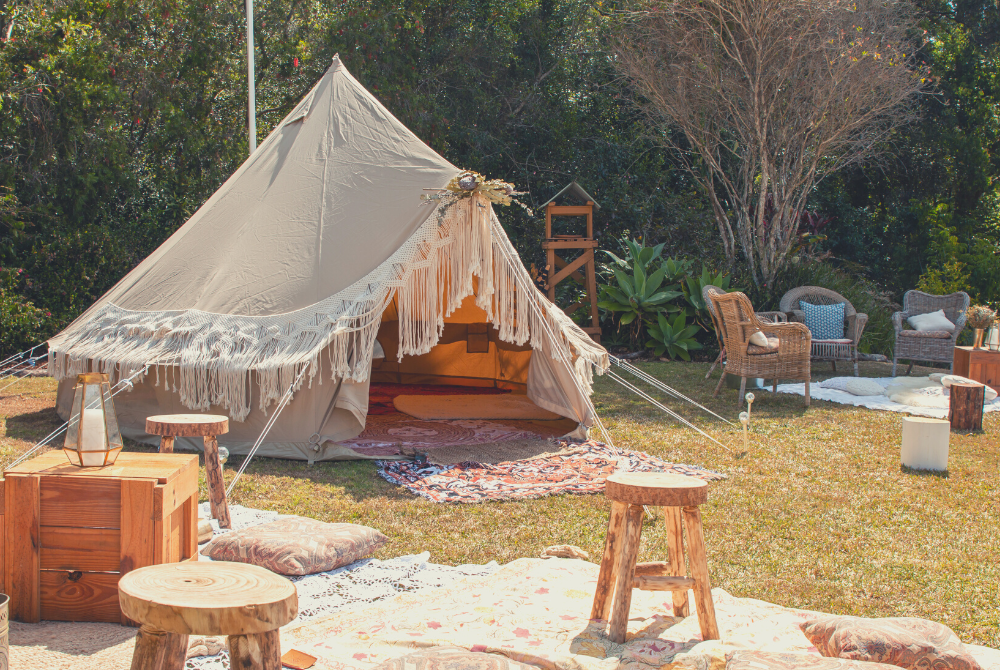 How to plan a bohemian backyard party - Psyclone Tents US